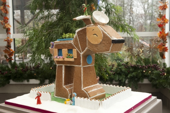There's more than one way to build a gingerbread dog house.