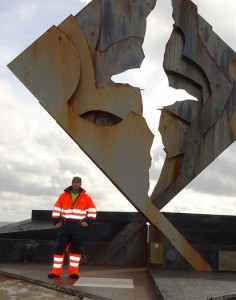 Captain Pato with the Cape Horn albatross sculpture