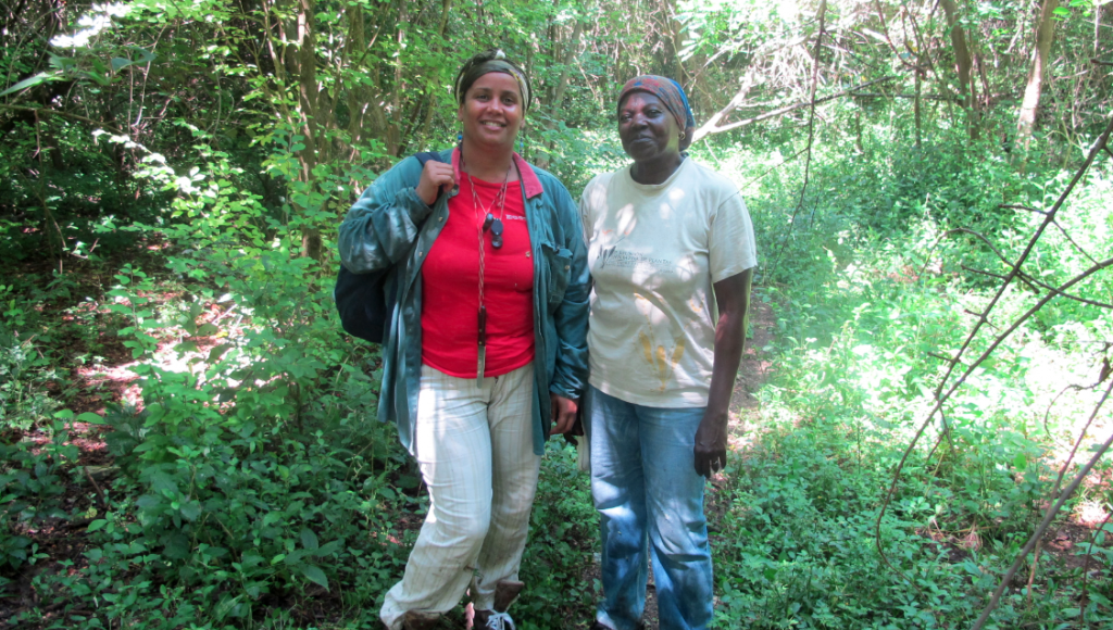 Cuban botanists Yoira Rivera Queralta of BIOECO (left) and Isora Baró Oliedo of IES (right)
