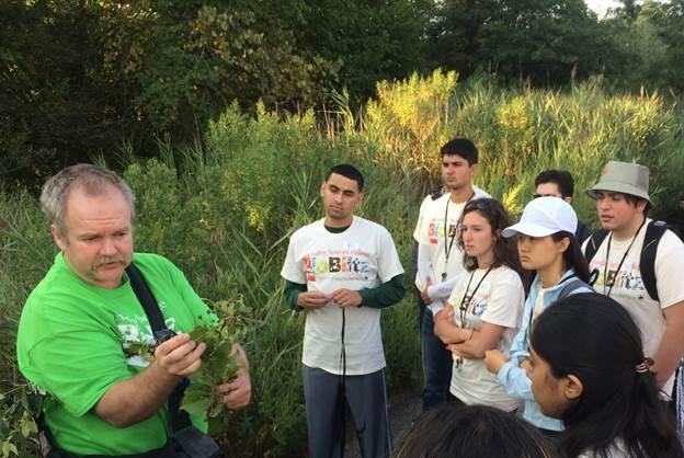 Richard Abbott teaching basic plant morphology