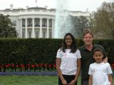 Toby Adams with NYBG Students in front of the White House