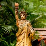 Photo of a replica of the Statue of Liberty