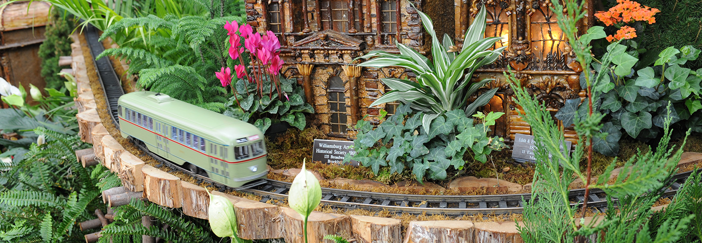 Holiday train show nybg Botanical garden train show